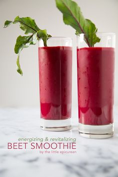 Though beets are inherently sweet, they are rarely associated with desserts or smoothies. It's time to change that with this energizing beet smoothie! Fruit Smoothies, Good Smoothies, Breakfast Smoothies, Superfood Smoothies, Best Smoothie, Juice Smoothie, Smoothie Drinks, Yummy Drinks, Healthy Drinks