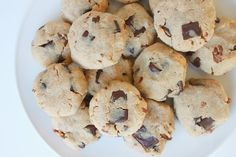 Delighted Momma: Flourless Chocolate Chunk Pecan Cookies (Paleo) - All coconut flour, would def add some baking soda to these.