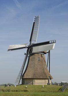 Polder mill Molen De Huinsermolen, Húns (Huins), The Netherlands