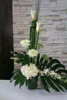 Easter Flower Arrangements, Funeral Flower Arrangements, Ikebana Arrangements, Easter Flowers, Beautiful Flower Arrangements, Beautiful Flowers, Church Flowers, Funeral Flowers, Deco Floral