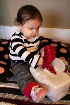 Blog by a mom with a baby and a toddler - great crafts and activities for every age!
