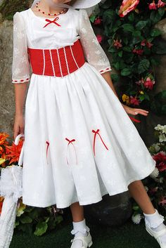 mary poppins dress costume - This is my fave movie! Maybe Lucie can be Mary Poppins one halloween!