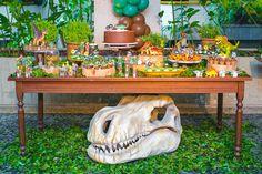 festinha-dinossauro-verde-dona-aranha-01