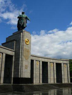Berlin, Soviet Memorial  by renegadeofpeace