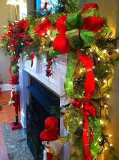 Christmas Christmas Mantle Decor 24 #ChristmasMantleDecorFireplaces #christmasmantledecorfireplaces