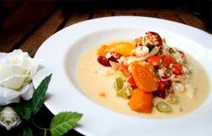 Fiskgryta med fisk och skaldjur Pasta, Thai Red Curry, Stew, Ethnic Recipes, Food, Pastries, One Pot, Essen, Noodles