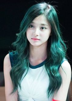 What is the best hair color for tzuyu?vote now 😆 twice (트와이스 Korean Beauty, Asian Beauty, Tzuyu Body, Twice Tzuyu, Estilo Cool, Cool Hair Color, Green Hair, Beautiful Asian Girls, Kpop Girls