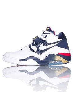 the latest 21db9 ccf8d NIKE Air Force 180 men s sneaker Charles Barkley Lace closure with single  velcro strap Padded tongue with NIKE air 180 logo Air bubble heel for  comfort