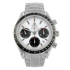 LOT:177 | OMEGA - a gentleman's stainless steel Speedmaster chronograph bracelet watch.