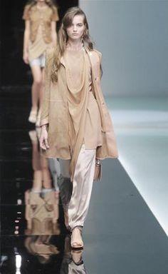 Colores tierra en la colección de Emporio Armani en la Semana de la Moda de Milán