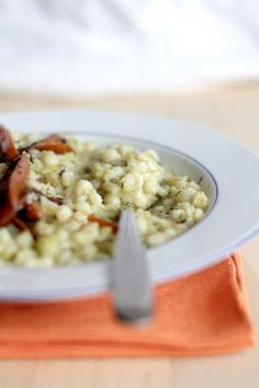 Cucina vegana, la ricetta della fregola sarda con broccolo romanesco
