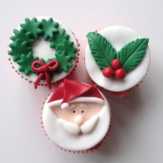 In this DIY tutorial, we will show you how to make Christmas decorations for your home. The video consists of 23 Christmas craft ideas. Christmas Cupcakes Decoration, Christmas Cookies Gift, Christmas Topper, Holiday Cupcakes, Christmas Sweets, Christmas Baking, Cupcakes Fondant, Cupcake Cakes, Cake Decorating Tips