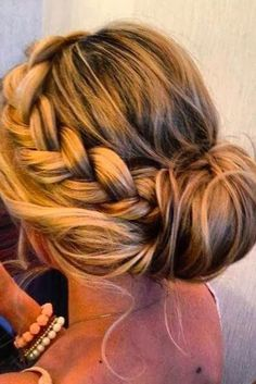 This is what Ive been waiting for! Definitely my hair styles tomorrow Junior Bridesmaid Hair Hair Ive Styles tomorrow waiting Side Bun Hairstyles, Pretty Hairstyles, Elegant Hairstyles, Latest Hairstyles, Medium Hairstyles, Beach Hairstyles, Country Wedding Hairstyles, Semi Formal Hairstyles, Formal Updo