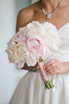 Peony bouquet: http://www.stylemepretty.com/south-carolina-weddings/charleston/2014/10/23/classic-charleston-wedding-with-shades-of-pink/ | Photography: Caroline Ro - http://www.carolinero.com/