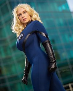 A 8x10 Signed photo print of my Sue Storm cosplay. Photography by Jeff Zoet Visuals, photo comes without watermark Superhero Cosplay, Marvel Cosplay, Chica Fantasy, Fantasy Girl, Fantasy Women, Marvel Girls, Marvel Dc, Storm Cosplay, Invisible Woman