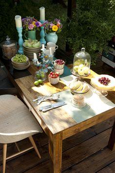 Une collection tout en bois et en couleur, gaie et chaleureuse. De quoi donner une touche actuelle chez vous ! Plusieurs meubles sont disponibles dans cette collection Babalou : meuble tv, commode, bureau, ... #kareclick #kare #karedesign #karefrance #home #mobiler #maison #tendances #meuble #design #deco #vert #green #nature #bois #wood #famille #family #table #chaise #repas #meal #fleurs #flowers