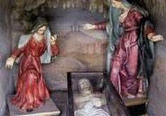 La chiesa di S.Pietro in Vinculis, a Marone, domina il lago e il paese da uno sperone di roccia. Costruita nel 1238 coi resti del castello che prima ivi sorgeva, dal 1578 fu affiancata da un eremo. La chiesa si raggiunge con una scalinata, ai cui piedi si osserva un grosso masso con impronte che, secondo la leggenda, furono lasciate dal S. Carlo Borromeo nel 1581. Lungo la salita, si trovano le stazioni della Via Crucis, costruite nel dopoguerra per ringraziare dallo scampato bombardamento.