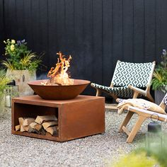 Amazing Backyard Fire Pit Accessories You Must Have - Kitchen Inst Garden Fire Pit, Fire Pit Backyard, Deck Fire Pit, Chiminea Fire Pit, Outdoor Fire, Outdoor Living, Indoor Outdoor, Outdoor Pants, Outdoor Toys