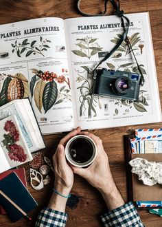Notes et pho Gear Best, Flat Lay Photography, Photography Gear, Photos Voyages, Blog Voyage, Grafik Design, Italy Travel, Travel Inspiration, Travel Destinations
