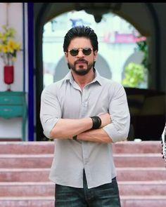 Lo amo nada que decir Shah Rukh Khan Quotes, Shah Rukh Khan Movies, Shahrukh Khan And Kajol, Salman Khan, Bollywood Stars, Dilwale 2015, Srk Movies, Sr K, Tiger Shroff