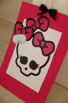 Chic Monster High Party - Pin the Bow on the Monter High Skull