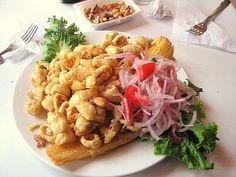 Chicharrón de pescado, en uno de los restaurantes de La Punta, Callao, Perú.