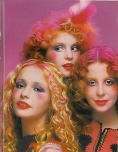 Makeup research Photo by Barry Lategan for Vogue UK, April 1971 Fairies? 1970s Makeup, Vintage Makeup, Vintage Beauty, Sixties Makeup, Makeup Inspo, Makeup Inspiration, Makeup Ideas, Glam Rock Makeup, 70s Glam Rock