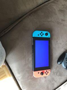 Primer Nintendo Switch con pantallazo azul