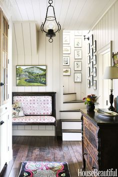 A North Carolina Retreat Nails Rustic Charm North Carolina Mountain Home - James Carter and Jane Hawkins Hoke Home Design, Interior Design, Interior Ideas, Design Ideas, Halls, Foyer Decorating, Decorating Ideas, Decor Ideas, Foyer Ideas