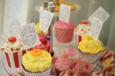"EAT DRINK PRETTY: Real party: a ""Mad Hatter's"" afternoon tea party"