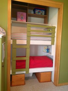 Toddler size bunk beds in a closet https://theycallmegranola.wordpress.com/2012/09/03/diy-unique-built-in-bunk-beds/