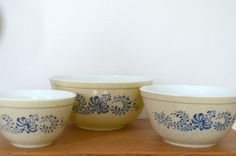 Vintage Pyrex Nesting Mixing Bowls Homestead Pattern by ColeNemeth