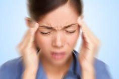 How to get rid of migraine naturally? Home remedies for a migraine. Treatment for migraine. Cure a migraine overnight. Natural Cure For Migraine, Headache Cure, Tension Headache, Migraine Relief, Headache Remedies, Natural Cures, Migraine Pain, Pain Relief, Migraine Attack