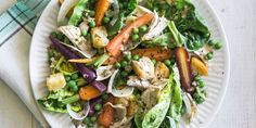 This crunchy salad gets a protein boost from rotisserie chicken.Crujiente de zanahoria, guisante, y ensalada de pollo Healthy Dishes, Healthy Salads, Healthy Recipes, Simple Recipes, Delicious Recipes, Mint Salad, Pea Salad, Rotisserie Chicken Salad, Grilled Chicken
