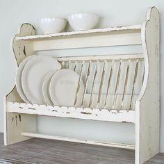 Wooden plate rack/shelf Code: RXI21764 Wooden Plate Rack, Plate Rack Wall, Diy Plate Rack, Plate Shelves, Wooden Plates, Plates On Wall, Plate Storage, Kitchen Cabinet Styles, Kitchen Shelves