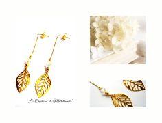 """Boucles d'oreille longues dorées """" Trés'Or blanc """" chaînette à billes dorée , feuille filigranée dorée ,perles en verre semi : Boucles d'oreille par les-creations-de-melletincelle"""