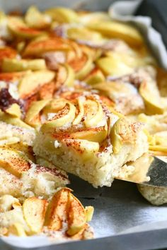 Just Eat It, Sweet Pastries, Hawaiian Pizza, Apple Pie, Cake Recipes, Recipies, Deserts, Good Food, Food And Drink