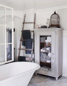 Practical DIY Bathroom Storage Ideas
