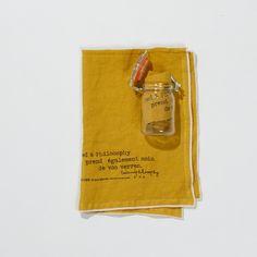 pellavapyyheliina . 65x45cm . väri curry . myydään lasipurkissa . tilapäisesti loppu