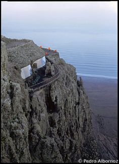 cesar manrique mirador del rio Tenerife, Mediterranean Architecture, Europe Travel Guide, Island Design, Island Beach, Canary Islands, Beautiful Places, Spain, Vacation