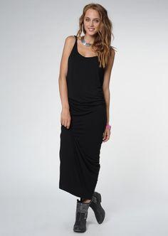 Santa Barbara  Woman Black Sarah Dress    142,90 лв.  48,90 лв.    Santa Barbara  Код на продукта:  97212067034-BLACK    Описание на продукта:  Черна рокля, изработена с:  - изрязано деколте и гръб  - деликатни презрамки.    Състав:  80% найлон, 20% еластан