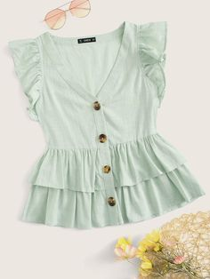 Pastel Fashion, Western Outfits, Blouse Designs, Blouses For Women, Fashion News, Fashion Styles, Fashion Dresses, Girls Dresses, Cute Outfits