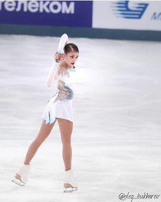 Skates, Russian Figure Skater, Ice Show, Ice Skaters, Ice Dance, Figure Skating Dresses, Sports Figures, Figure It Out, Kuroko