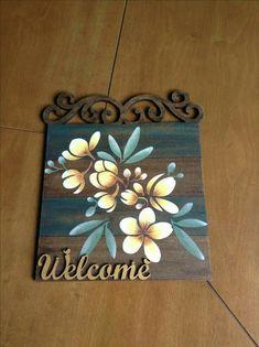 Wooden Key Holder, Mughal Paintings, Arte Country, Decoupage Vintage, Painted Boards, Colorful Drawings, Diy Wall Art, Wood Art, Mandala