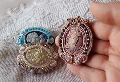 Spilla Empire in soutache. Elegante cameo in versione: panna/rosa, azzurro, rosa antico. di IrynArs su Etsy