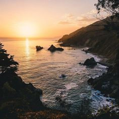 Falling in love with Big Sur  http://ift.tt/1JB6SvC