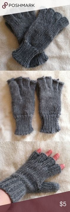 NWOT Fingerless gloves •New without tags •It is fingerless and the thumbs are fully covered •Color:Grey •I got them from a Poshmark boutique, and then never wore them •NO TRADES Accessories Gloves & Mittens