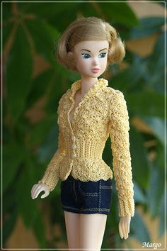 Darling sweater on a Momoko doll
