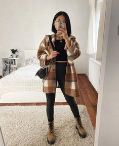 Image shared by Saraah. Find images and videos about girl, fashion and style on We Heart It - the app to get lost in what you love. Trendy Fall Outfits, Casual Winter Outfits, Winter Fashion Outfits, Look Fashion, Stylish Outfits, Trendy Fashion, Fashion Styles, Girl Fashion, Autumn Outfits