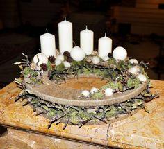 Egy kis lemaradásom van az adventi, karácsonyi virágkötészeti alkotások, versenymunkák bemutatásával, így az Advent 2013 verseny (Népra...